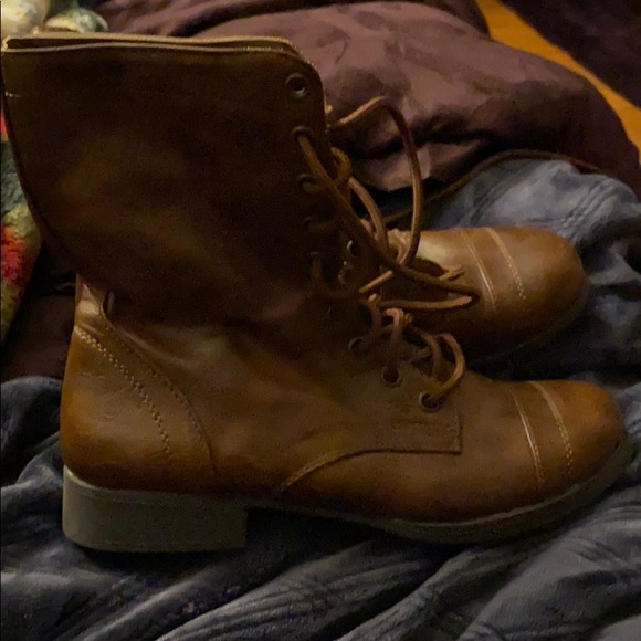 Brash Shoes - Brown tie up boots size 7
